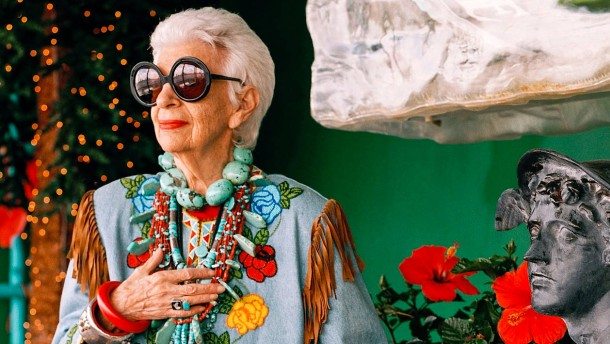 New Yorker Stil-Ikone Iris Apfel feiert 95. Geburtstag