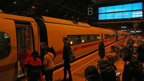 Stillstand beim Zugverkehr – ein Toter