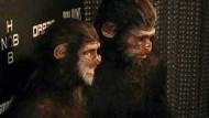 """Während Model Heidi Klum und Ehemann Seal sich zu Halloween als Affen vergnügten, zogen Zehntausende verkleidet durch die Straßen der Ostküsten-Metropole. Auch Aktivisten der """"Occupy-Wallstreet""""-Bewegung nahmen an dem traditionellen Spektakel teil."""