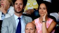 Pippa Middleton und ihr Verlobter James Matthews im Sommer 2016 bei einem Tennisspiel in Wimbledon