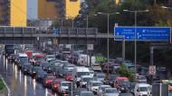Blechlawine: Stau auf der Berliner Stadtautobahn