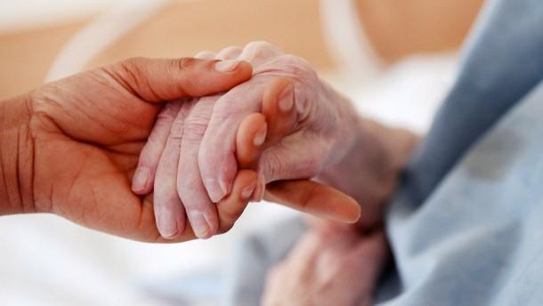 Trotz Corona zur Arbeit ins Seniorenheim – Geldbuße