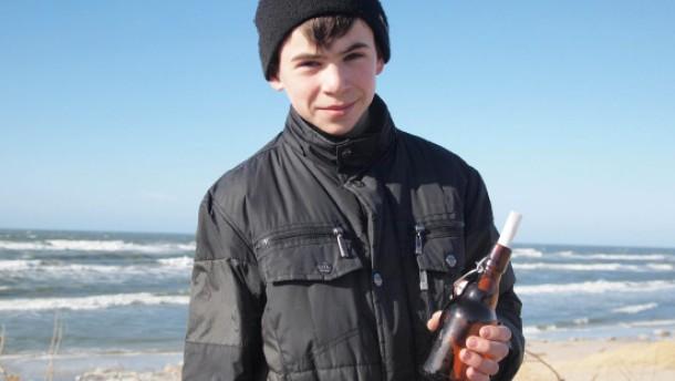 Junge findet Flaschenpost von 1987