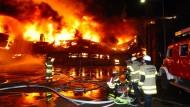 Feuer zerstört Forschungshalle der Technischen Hochschule