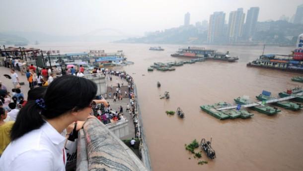 Hunderte Menschen sterben in den Fluten des Jangtse