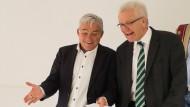 Einigung: Der Landesvorsitzende der CDU Baden-Württemberg, Thomas Strobl (l), und Winfried Kretschmann, Ministerpräsident von Baden-Württemberg (Bündnis 90/Die Grünen), nach den Koalitionsverhandlungen in Stuttgart