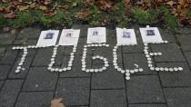 Angehörige hielten in den vergangenen Tagen in Offenbach eine Mahnwache für die junge Frau ab, die nach einem Streit vor einem Schnellrestaurant lebensgefährlich verletzt wurde.