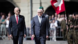 Steinmeier fordert zur Verteidigung der Demokratie auf