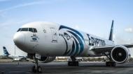 Vor zwei Wochen ist eine solche Egyptair-Maschine über dem Mittelmeer abgestürzt. Jetzt gibt es erste Hinweise auf den Flugschreiber.