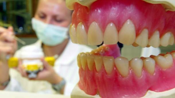 Künstlicher Zahnschmelz bei Kariesbefall