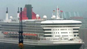 Zehntausende Seh-Leute bestaunen die Queen Mary 2