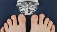 Übergewicht und Fettleibigkeit erhöhen das Risiko, vorzeitig zu sterben. (Archivbild)