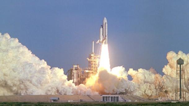 Space-Shuttles fliegen frühestens im Februar 2004 wieder