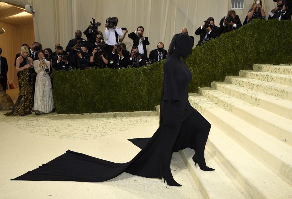 Wurde trotz Kostüm erkannt: Kim Kardashian