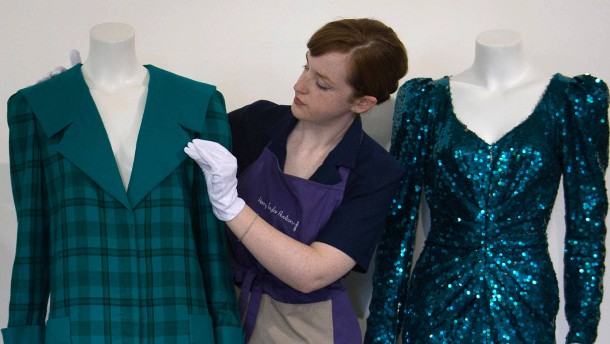 Rekordsummen für Prinzessin Dianas Alt-Kleider