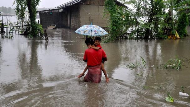 Mehr als 1500 Tote bei Überschwemmungen in Südasien