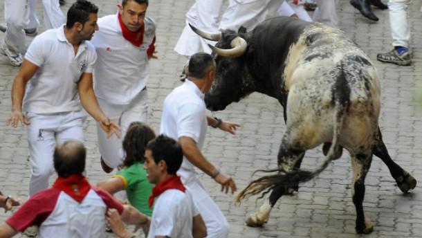 Blutiger Sonntag in Pamplona