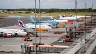 Zwölf Flüge fielen am Freitag am Hamburger Flughafen aus. (Archivbild)