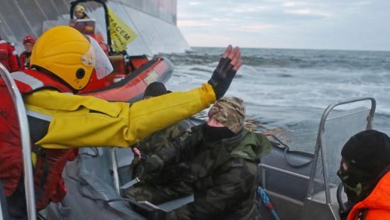 Russische Behörden entern Greenpeace-Schiff