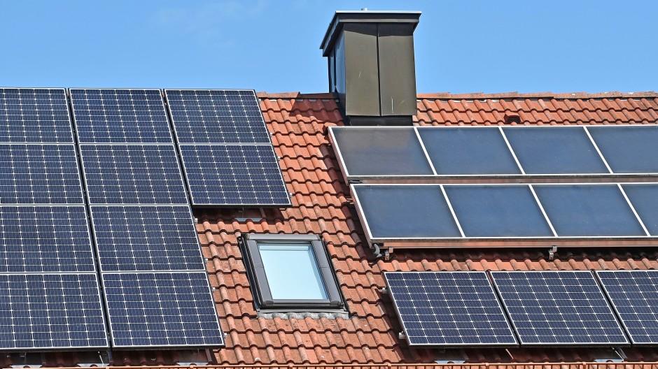 Dach der Energie: Doch Vermieter mit Photovoltaikanlage müssen manches beachten – oder es lassen.