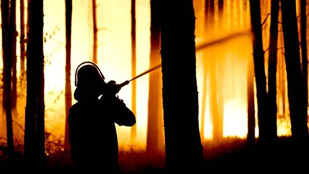 Gefahr durch Rauch und Munition