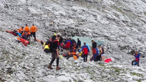 Höhlenforscher in österreichischen Alpen verunglückt