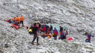 Die Bergrettung Salzburg bereitet den Rettungseinsatz vor