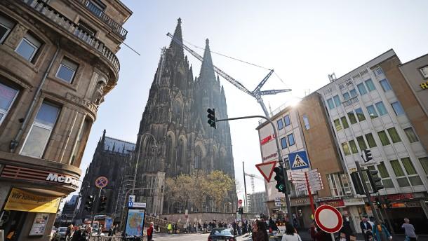 Am Kölner Dom wird abgerüstet