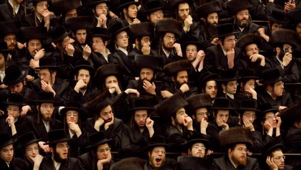 Unmut ueber Ultraorthodoxe waechst - Israelischer Bildungsminister droht Schulen mit Mittelkuerzung