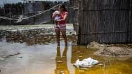 90 Tote, fast 200000 Häuser betroffen