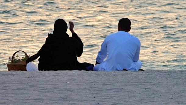 Emirate schaffen reduzierte Strafen für sogenannte Ehrenmorde ab