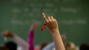 Teilzeitlehrerin kassierte 237.000 Euro zu viel