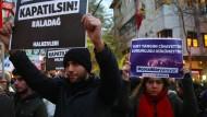 Vier Haftbefehle nach Brand in türkischem Mädchenwohnheim