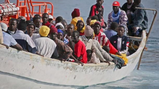 Mindestens 14 Bootsflüchtlinge gestorben