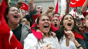 Berliner Sony Center fest in türkischer Hand
