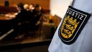 Im Gerichtssaal in Freiburg sprachen die Richter am Dienstag die Urteile gegen die Mutter und ihren Lebensgefährten.