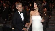 Natürlich oder mit Hilfe aus dem Labor? Die Mehrlingsschwangerschaft von Amal Clooney heizte die Spekulationen an.