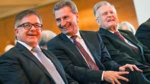 Oettinger: Wir haben mehr Bademeister als Grenzschützer