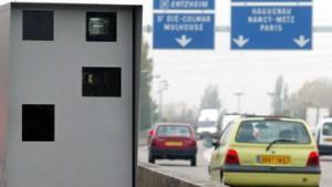 Französische Minister rasen zur Einweihung von Radarfalle