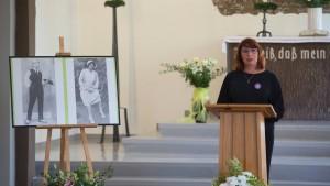 Ein neuer Grabstein für Lili Elbe in Dresden