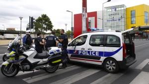 Französische Spezialeinheit befreit 18 Personen