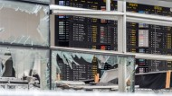 Die Reparaturen dauern noch an: zunächst werden am Brüsseler Flughafen provisorische Einrichtungen für Reisende genutzt.