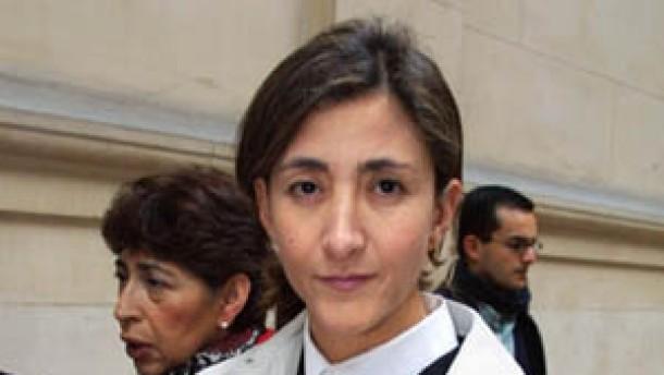 Betancourt wird Ehrenbürgerin von Paris