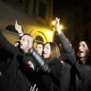 Der Rücktritt des italienischen Ministerpräsidenten Silvio Berlusconi hat in Rom Jubelfeiern auf den Straßen ausgelöst.