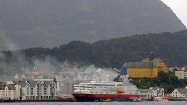 Zwei Tote bei Schiffsbrand in Norwegen