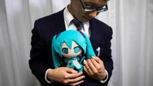Japaner heiratet virtuelle Figur Hatsune Miku