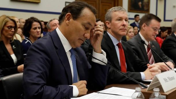 Kongress nimmt United-Chef nach Passagier-Rauswurf in die Mangel
