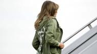Einfach nur übergeworfen? Melania Trump im Zara-Parka in Texas