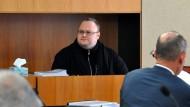 Der Internetunternehmer Kim Dotcom während einer Anhörung in Neuseeland (Archivbild). Er wehrt sich gegen seine Auslieferung nach Amerika.