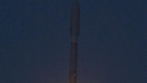 Pentagon schießt eigene Raumfähre ins All